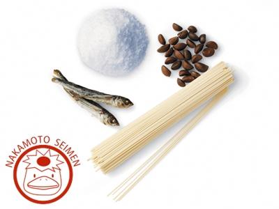 五島手延うどんの美味しさを引き出す、五島の自然塩、椿油、あご(飛魚)だし